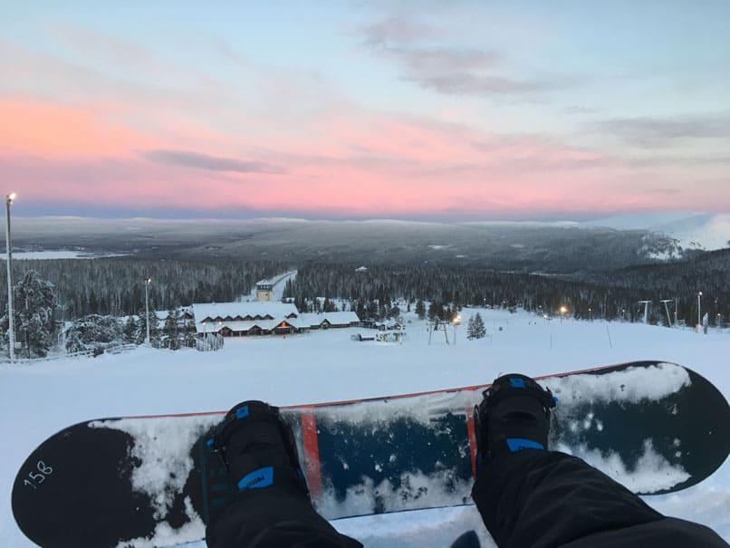 Snowboarding during the Polar Night